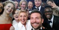 Selfie: fanno bene o fanno male?