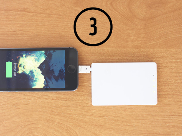 Travel Card iPhone charger_3