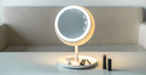 Smart mirror Juno, lo specchio da trucco intelligente