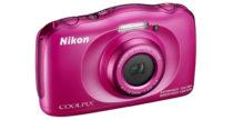 La Nikon Coolpix W100 è rosa e resiste a tutto