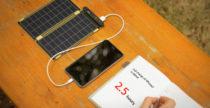 Solar Paper, il segnalibro che ricarica il cellulare