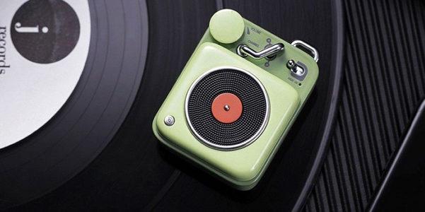 Il nome giusto per gli speakers effetto vintage? Elvis, naturalmente!