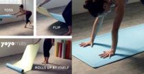 Il tappetino da yoga che si arrotola da solo