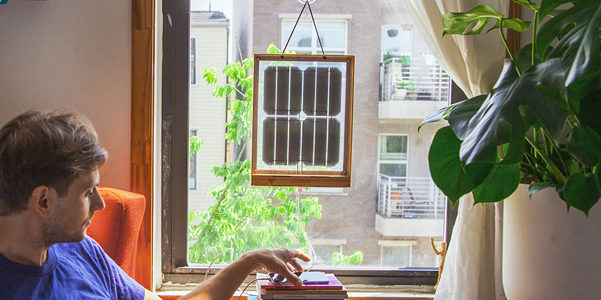 Window Solar Charger, la finestra ti ricarica il device
